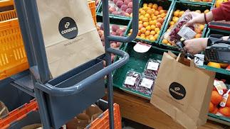 Consum elimina las bolsas de plástico de su tienda online.