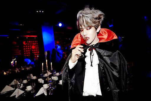 baekhyun vampire theqoo