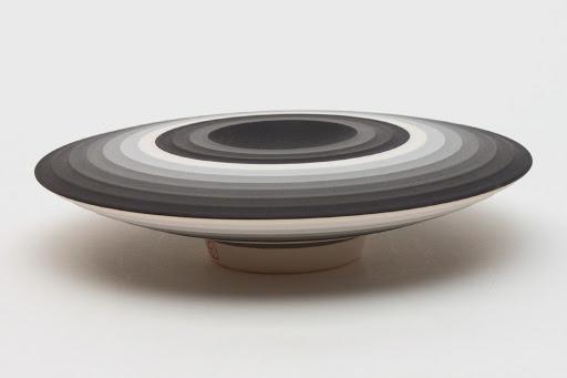 Jin Eui Kim Ceramic Form 09
