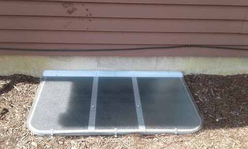 Des Plaines, IL HandyManny Custom Window Well Covers
