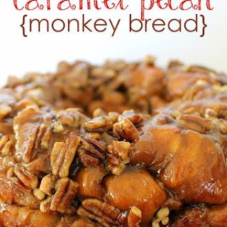 Caramel Pecan Monkey Bread {recipe}.