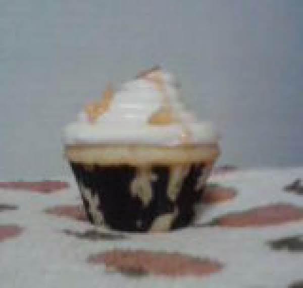 Butterscotch Bacon Cupcakes