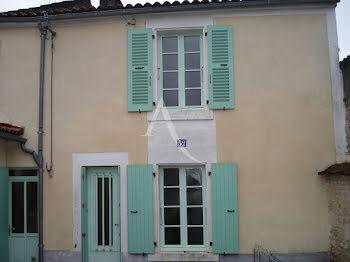 maison à Fontenay-le-Comte (85)