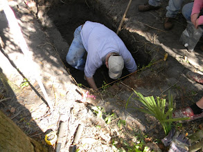 Photo: Penders in an Indian River Archaeological Society (IRAS) field project in Brevard County, Florida.