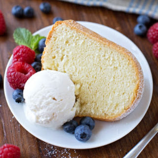 Old Fashioned Sour Cream Pound Cake.