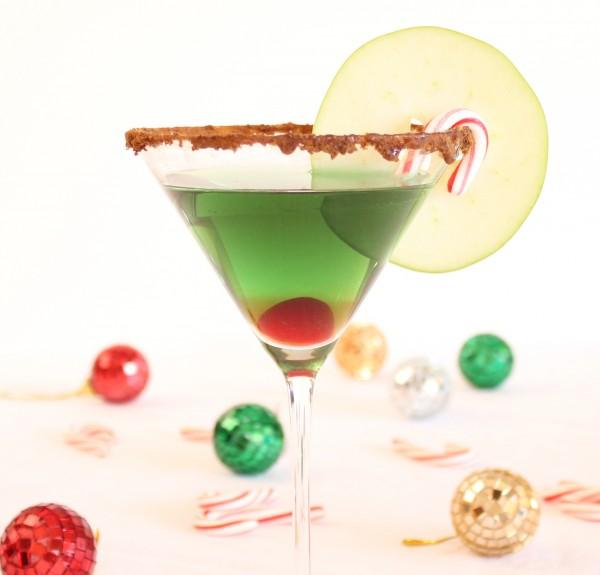 Cinnamon Caramel Apple Martini – Holiday Cocktail Recipe