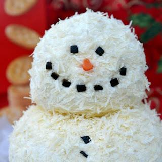 Garlic Parmesan Holiday Cheeseball