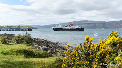 Photo: CalMac Ferry 'Isle of Mull' Arriving at Craignure, Mull