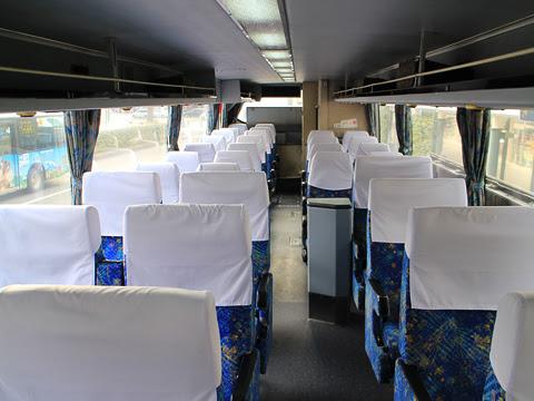 西鉄高速バス「フェニックス号」 9909 車内