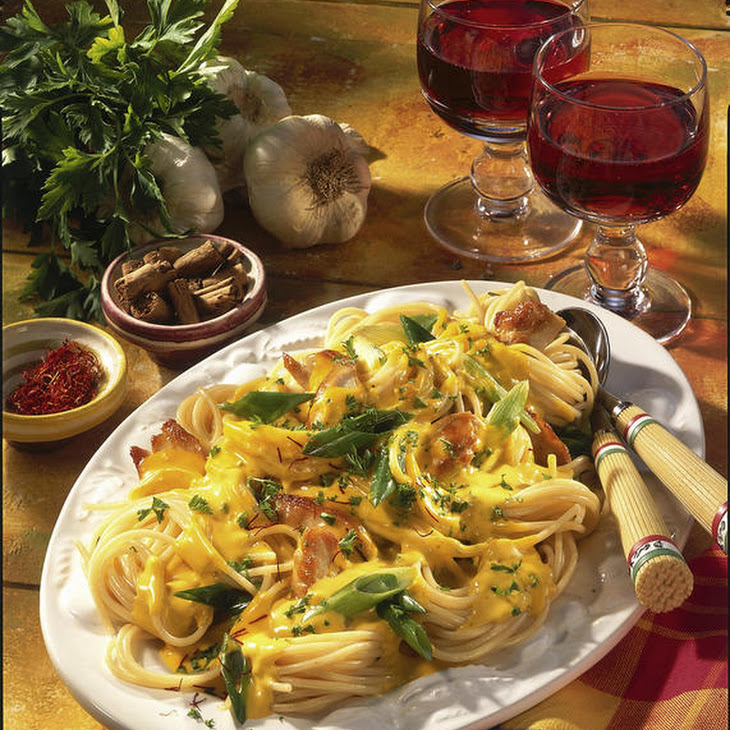 Spaghetti with Saffron Chicken