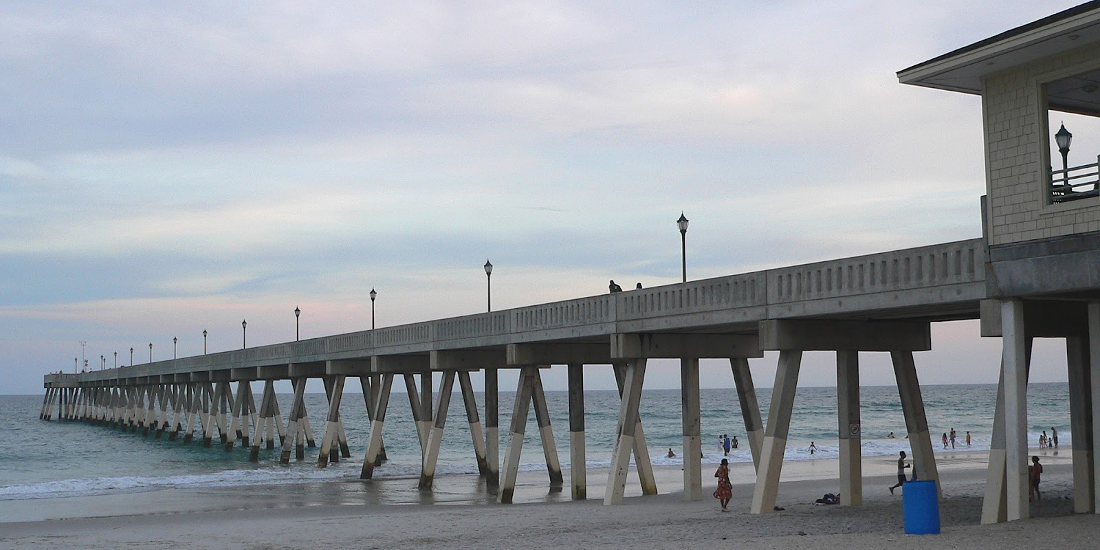 File:Johnny Mercer Pier-27527. ...