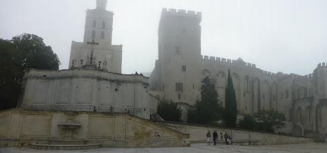 Photo: Eglise Notre-Dame des Doms et la tour carrée