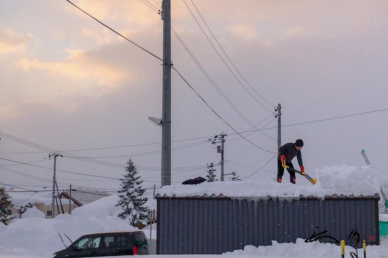ガレージ屋根の雪下ろし