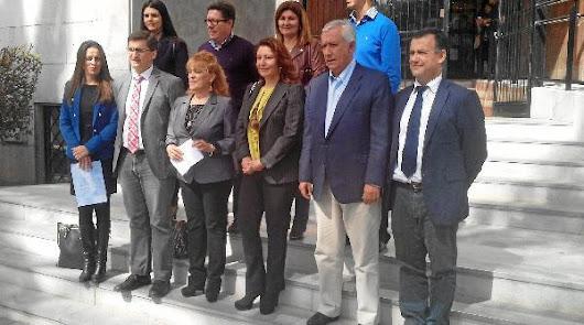 Los parlamentarios elegidos el 22-M recogen sus credenciales en la Audiencia Provincial de Almería