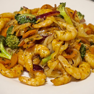 20 Minute Meal: Rice Noodles with Prawns and Vegetables Recipe  Recipe