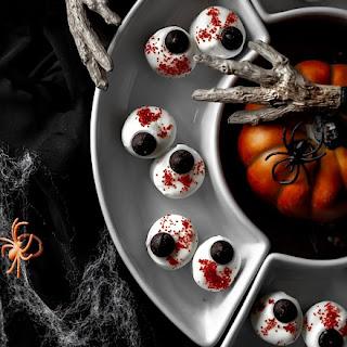 Halloween Marshmallow Eyeballs