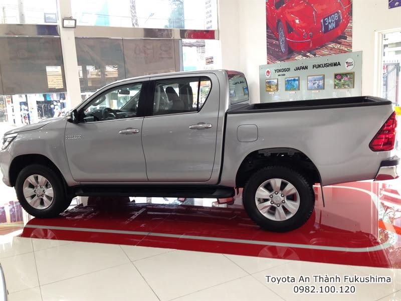 Khuyến Mãi Giá Xe Ôtô Bán Tải Toyota Hilux 2015 Nhập Khẩu Thái Lan 8