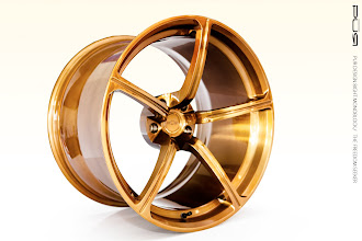 Photo: PUR WHEELS DESIGN 8GHT MONOBLOCK THE FREEDOM SEEKER http://www.ac.auone-net.jp/~ever_g/tire/index.html