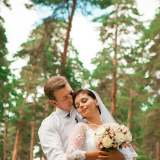 Wedding photographer Sergey Petrov (yourwed). Photo of 01.09.2015