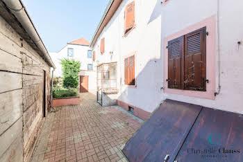 Maison 11 pièces 154 m2