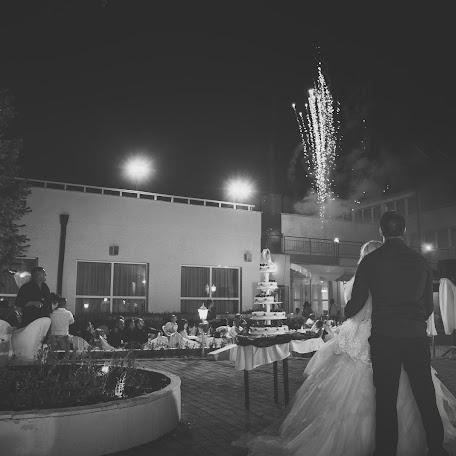 Wedding photographer Miroslava Velikova (studioMirela). Photo of 24.02.2018