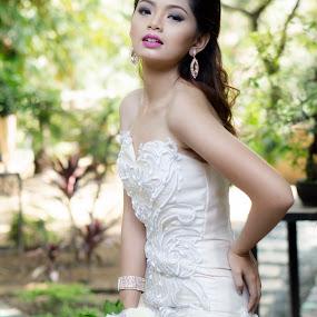 Lady  by Dion Besa - Wedding Bride ( portraiture, model, wedding photography, bridal, bridal portraits, wedding, wedding dress, portraits, bride, portrait, photography )