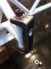 Photo: Hier de nieuwe fusee armpjes die dit keer uit 1 stuk materiaal zijn gesneden.