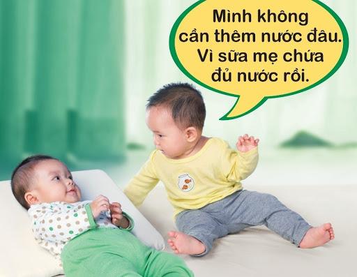 ly-do-bo-me-tuyet-doi-khong-cho-tre-so-sinh-duoi-6-thang-tuoi-uong-nuoc hinh 2