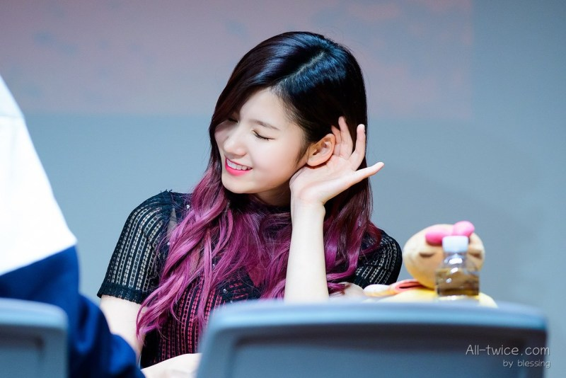 korea-korean-kpop-idol-girl-group-band-twice-sanas-purple-hair-violet-hair-color-dye-two-tone-ombre-hairstyles-girls-women-kpopstuff