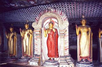 Photo: #014-Temple rupestre de Dambulla et ses 112 statues de Bouddha