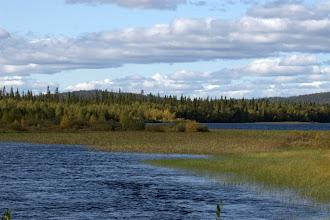Photo: edelleen ruskaa järvellä
