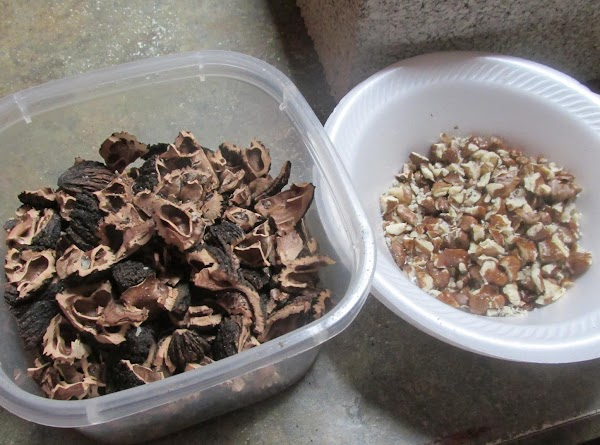 Please NOTE: BLACK WALNUTS has a unique and different flavor from English Walnuts) a...
