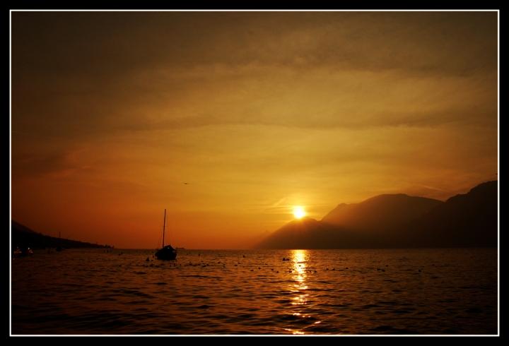 Cala il sole sul lago di zik_nik