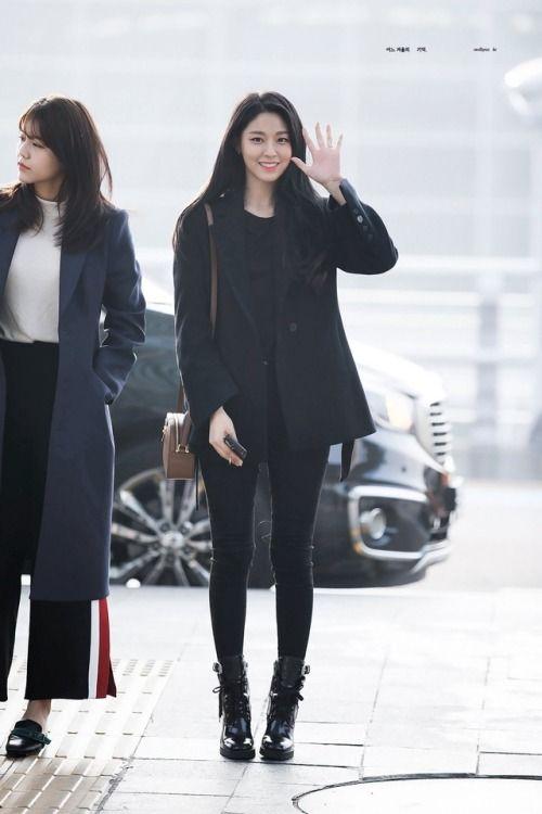 seolhyun jeans 4