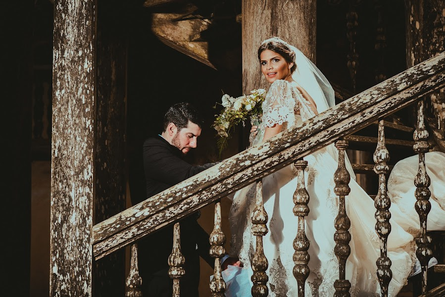Wedding photographer Valery Garnica (focusmilebodas2). Photo of 18.08.2018