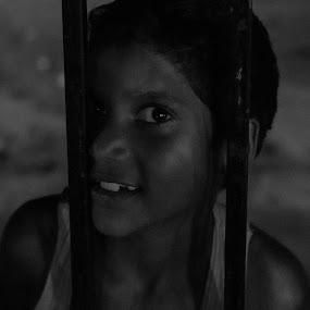 by মেহরাব সাদাত - Black & White Street & Candid