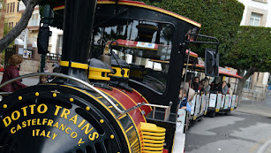 El Tren de la Navidad vuelve a recorrer las calles a partir del miércoles.