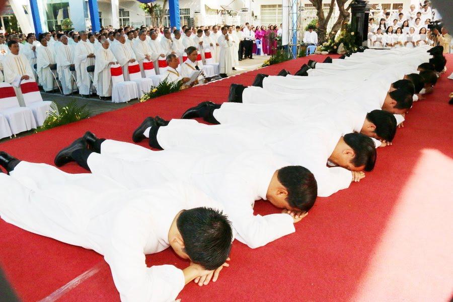 Lễ Tấn Phong chức Phó tế tại nhà thờ Chính Tòa Ban Mê Thuột - Ảnh minh hoạ 18