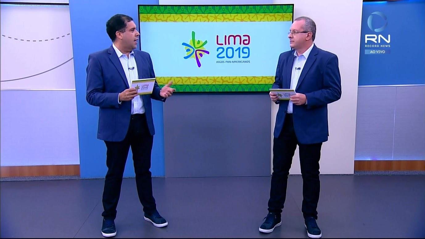 Fernando Camargo abriu as transmissões da Record News nesta quarta-feira (24), com o jogo de vôlei de praia masculino e feminino