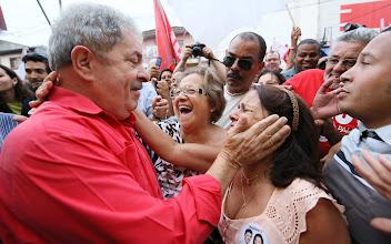 Photo: Lula e Haddad no bairro de São Mateus. Foto: Ricardo Stuckert/Instituto Lula