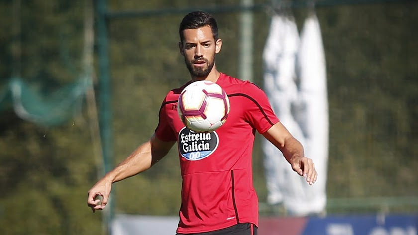 Pablo Marí en un entrenamiento del Deportivo.