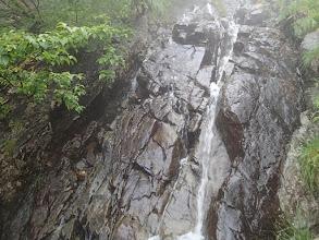 Photo: 2550m圏の二俣を右に入ってしばらくでこの樋状滝が現れれば正解