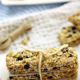 Healthy No-Bake Chocolate Chip Protein Granola Bars.