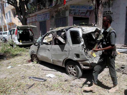 Mogadishu car bomb kills 5 at local government HQ