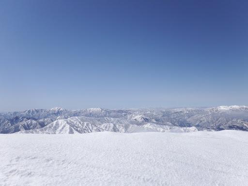 雪庇越しに見る景色