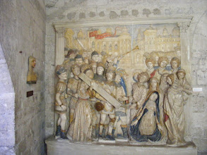 Photo: More of the wall art – a painted sculpture – which survived the Revolution, where the rich interior furnishings did not.