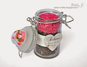 Photo: http://bettys-crafts.blogspot.de/2013/06/menukarten-und-tischkarten-mit.html