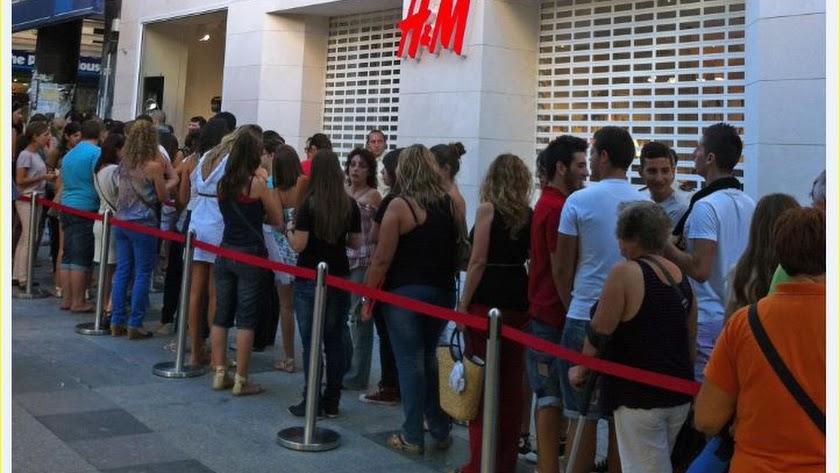 H&M echa el cierre en el Paseo y se traslada también a Torrecárdenas