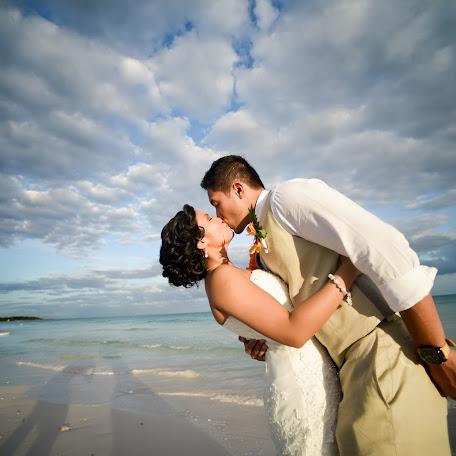 Wedding photographer Jose Rova (joserova). Photo of 14.05.2015