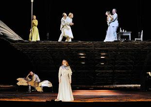 Photo: WIEN/ Burgtheater: WASSA SCHELESNOWA von Maxim Gorki. Premiere22.10.2015. Inszenierung: Andreas Kriegenburg. Ensemble, Copyright: Barbara Zeininger